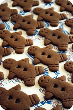 World's Easiest Gingerbread Men Recipe [VIDEO]