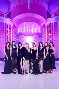 Nayeon, Kpop Girl Groups, Korean Girl Groups, Kpop Girls, Bts Twice, Twice Once, Extended Play, Signal Twice, Oppa Gangnam Style
