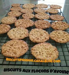 dessert in a mug brownie \ dessert in a mug ; dessert in a mug microwave ; dessert in a mug recipes ; dessert in a mug 3 ingredients ; dessert in a mug videos ; dessert in a mug no egg ; dessert in a mug brownie Dessert In A Mug, Sweet Recipes, Healthy Recipes, Brownie In A Mug, Cookie Desserts, Cookies Et Biscuits, Fodmap, Nutella, Gluten