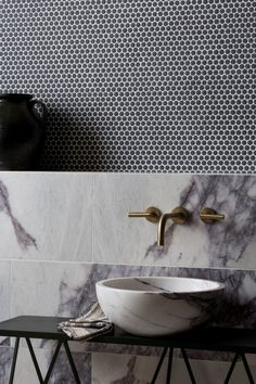 Planning a bathroom renovation? Check out the latest trends in tiles for your project. Textured finishes, patterned designs and large format tiles, the collections in this article focus on the key tile trends for Calacatta Marble, Marble Tiles, Stone Bathroom, Small Bathroom, Master Bathroom, Loft Bathroom, Marble Bathrooms, Modern Bathrooms, Bathroom Fixtures