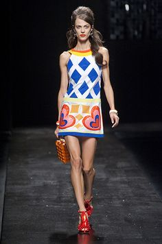 Défilé Moschino Printemps-été 2013, Spring 2013 women's collection #MFW #spring2013 #milanfashionweek