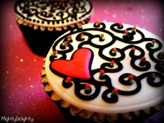 Mighty Delight: Valentine's Day Inspired Cupcakes.  would look cute on cookies