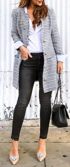 Nice 60 Fantastic Spring And Summer Clothing Inspiration For Women 2018. More at https://trendwear4you.com/2018/04/22/60-fantastic-spring-and-summer-clothing-inspiration-for-women-2018/