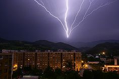 I Love a good lightning storm!