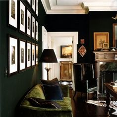 Green Variations- dark green walls (almost black), and moss green sofa Dark Living Rooms, Home And Living, Living Spaces, Living Area, Classy Living Room, Cozy Living, Veranda Interiors, Dark Interiors, House Interiors