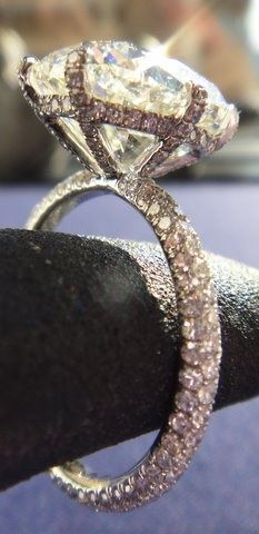 Gorgeous setting, love the details   Huge Diamond Ring. Beautiful Details. Sparkle. Glamour. Wedding Winner. #diamond