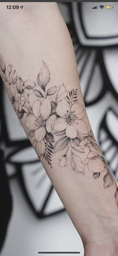 Tattoos For Women Flowers, Foot Tattoos For Women, Sleeve Tattoos For Women, Vine Tattoos, Flower Wrist Tattoos, Small Tattoos, Tattoo Flowers, Gardenia Tattoo, Hibiscus Tattoo