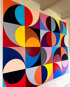 Image may contain: stripes School Murals, Arte Pop, Mural Art, Geometric Art, Geometric Pattern Design, Painting Inspiration, Art Lessons, Design Art, Modern Art