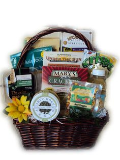 Healthy Pregnancy Gift Basket ** For more information, visit image link. Pregnancy Gift Baskets, Pregnancy Gifts, Fit Pregnancy, Pregnancy Nutrition, Pregnancy Health, Healthy Food List, Healthy Snacks, Healthy Recipes, Healthy Drinks