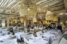 Un week-end à Saint-Tropez Saint Tropez, Hotel Geneve, Architecture Classique, Paris Match, Week End, Europe, Table Decorations, Google, Home Decor