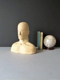 Moderno scultura minimalista, busto in gesso di un uomo, arredamento minimalista