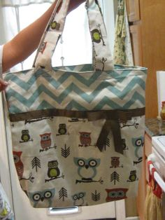 First Tote - PURSES, BAGS, WALLETS - DIY, tutorials, needlework, paper crafts, knitting, crochet, sewing, swaps, jewelry and so much more on Craftster.org
