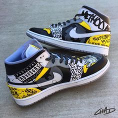 S - custom Method Man/Wutang themed Jordan Retro My client wanted the focus to be on Method Man and include Wutang themed artwork. Jordan Retro 1, Jordan 11, Custom Jordans, Custom Sneakers, Custom Painted Shoes, Custom Shoes, Zapatillas Jordan Retro, Sneakers Fashion, Sneakers Nike