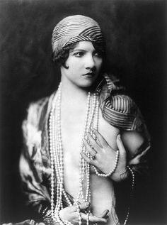 Les filles des Ziegfeld Follies dans les années 1920 Ziegfeld Follies Girls 1920 Broadway