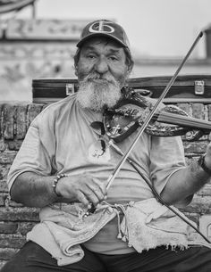 Street Portrait in Naples, Italy - Photo by Adam Allegro, http://catchthejiffy.com
