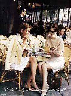 tres chic au cafe parisienne