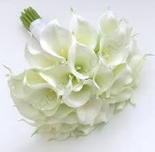 Résultats de recherche d'images pour «calla lily corsage wrist»