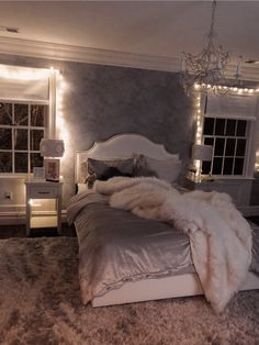 simple bedroom holiday decorating ideas with lights 43 Dream Rooms, Dream Bedroom, Room Decor Bedroom, Bedroom Ideas, Master Bedroom, First Apartment Decorating, Girl Bedroom Designs, Design Bedroom, Aesthetic Room Decor
