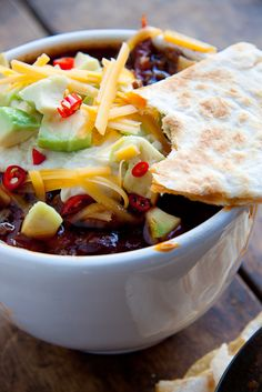 If possible, this version of the old classic is even more comforting and satisfying. Chilli Con carne soup served with all the trimmings.