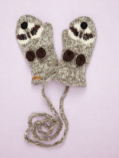 make with felt on a knit glove