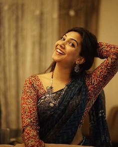 Sizzling images of Madonna Sebastian. Cotton Saree Designs, Silk Saree Blouse Designs, Fancy Blouse Designs, Trendy Sarees, Stylish Sarees, Simple Sarees, Sonam Kapoor, Deepika Padukone, Madonna