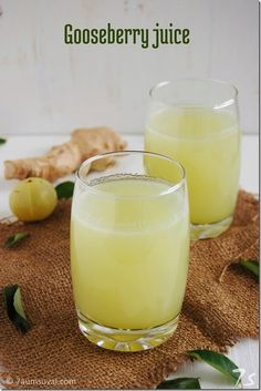 Amla Juice is filled with lot of benefits for glowing skin. Read through benefits of Amla Juice for skin. Dead skin cells are removed and bring a natural glow to your skin and lightens the complexion. Green Drink Recipes, Healthy Juice Recipes, Best Smoothie Recipes, Good Smoothies, Healthy Juices, Shake Recipes, Healthy Drinks, Vegetarian Recipes, Top