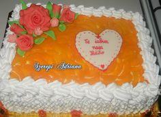 tort portocaliu cu flori