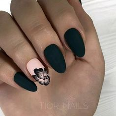 Want some ideas for wedding nail polish designs? This article is a collection of our favorite nail polish designs for your special day. Elegant Nail Designs, Black Nail Designs, Elegant Nails, Rose Gold Nails, Matte Nails, Acrylic Nails, Stiletto Nails, Coffin Nails, Prom Nails