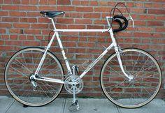 PEUGEOT  UO8  1975, restoration Vintage Bikes, Road Bikes, Bicycles, Peugeot, Restoration, Antique Bicycles, Vintage Motorcycles, Bike, Bicycle