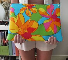 Sew your own zippered laptop sleeve! I used a bold #Marimekko print. #sewing #DIY