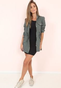 Magnificient Women Spring Casual Outfits Ideas That You Should Try Spring Outfits Women, Summer Outfits, Look Street Style, Casual Outfits, Fashion Outfits, Look Chic, Casual Chic, Casual Looks, Fashion Looks