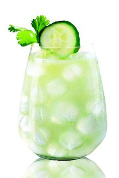 Skip the green beer, we have 17 Chic Cocktail Recipes to celebrate St. Paddy's Day!