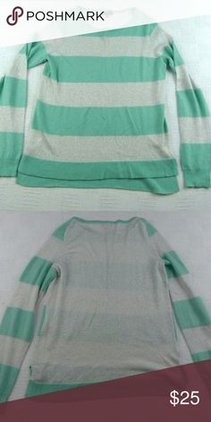 Vince Camuto Sz Small Striped Sweater Great condition. Vince Camuto Sweaters Crew & Scoop Necks