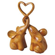 Wooden elephants with heart