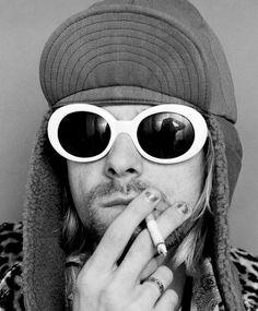 Smoking looks mysterious. (Kurt Cobain)