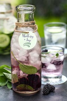 "20 Infused Water ""Recipes"" - Style Me Pretty Perfect! I love doing infused water, I want to know where to get those bottles! Refreshing Drinks, Fun Drinks, Yummy Drinks, Healthy Drinks, Healthy Snacks, Healthy Recipes, Beverages, Healthy Water, Detox Recipes"