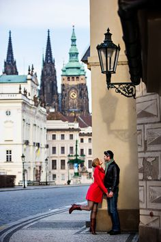 engagement and date photo in prague
