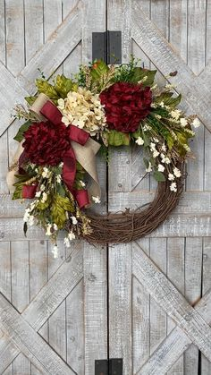 Deco Wreaths, Xmas Wreaths, Autumn Wreaths, Wreaths For Front Door, Rose Gold Christmas Decorations, Diy Fall Wreath, Summer Wreath, Hydrangea Wreath, Cranberry Color