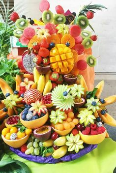 28 Super Ideas For Fruit Platter Buffet Food Displays Fruit Salad Decoration, Food Decoration, Fruit Party, Snacks Für Party, Fruit Buffet, Fruit Trays, Fruit Fruit, Edible Fruit Arrangements, Deco Fruit