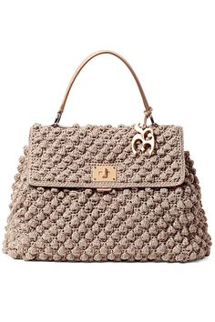 crochet bag-even Chanel had one a few years ago!crochet bag - DIY Home ProjectNeeds to be translated Different styles are featuredBy: Dolce & Gabbana.this bag really appeal me Bag Crochet, Crochet Handbags, Crochet Purses, Handbag Patterns, Knitted Bags, Crochet Accessories, Beautiful Crochet, Handmade Bags, Fashion Bags