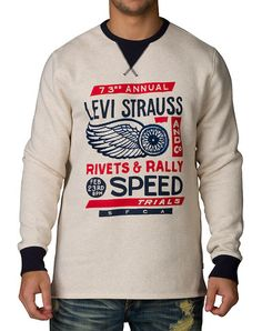 *LEVI'S *Revishaw crewneck fleece sweatshirt *Long sleeves *Crew neck with ribbed collar *Super soft inner fleece lining for ultimate comfort *LEVI'S STRAUSS logo branding graphic on front *Solid color back *Color: Oatmeal Heather/Nite Sky