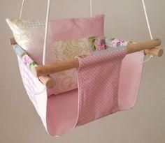 Baloiço textilstory by Textilpuff  ❤❤❤❤❤❤45€❤❤❤❤❤❤ Portes incluídos!  Incluí bucha mecânica de fixação ao tecto e mosquetão. É só escolher a combinação têxtil que mais gosta!!!  #textilpuff #textilstory #bebé #maternidade #gravidez #babytoy #quartodecriança #babyroom #madeinportugal #handmade