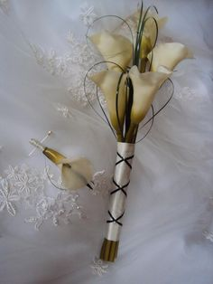 Arm Bouquet | Real Touch Calla Lily - Arm Wedding Bouquet - Treasured Moments ...