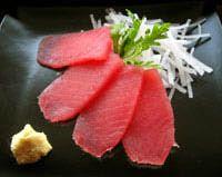 Tuna sashimi with ginger