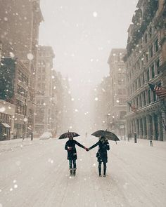 Snowy streets NYC   Winter Storm Jonas   January 23, 2016