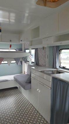 Caravan Renovation Diy, Caravan Makeover, Rv Makeover, Caravan Vintage, Vintage Caravans, Vintage Campers, Vintage Trailers, Vintage Caravan Interiors, Vintage Motorhome