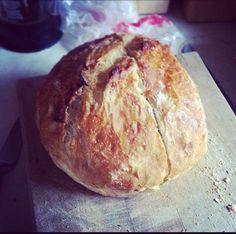 no-knead bread making.