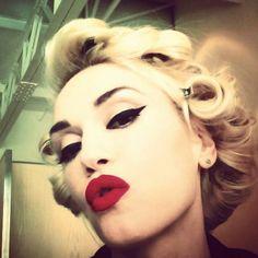 Gwen going #retro xx