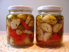 Chilivalkosipulit. Tämän reseptin on tehnyt Kotikokki.netin nimimerkki Anne Pickles, Cucumber, Dinner, Vegetables, Food, Dining, Food Dinners, Essen, Vegetable Recipes