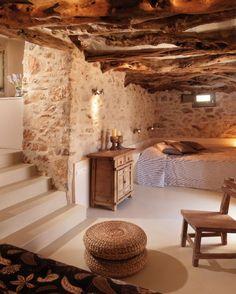 Die 5 besten Boutique Hotels mit Flitterwochen Suiten der Welt – Page 3 of 5 Themonies Luxury Suites Chora Folegandros, 84011 Chora Folegandros, Griechenland